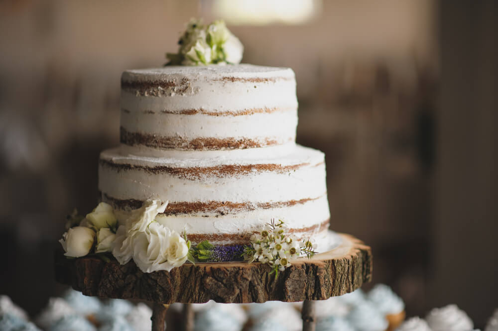 Gâteau de mariage sur bois sans allergènes